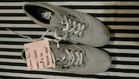 pair of gray Vans low-top sneakers Sacramento, 95838