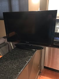 "32"" Toshiba Flat Screen TV Calgary, T2R 0S1"