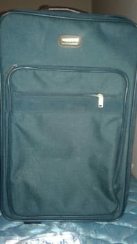 Green pull luggage no rips or damages Westerville