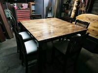 Solid wood table and six chairs Beaumont, 92223