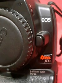 Canon EOS Rebel XTI body and battery pack Vancouver, V6R 1N7