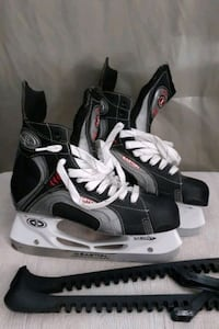 SIZE 10.5 SKATES IN GREAT EXCELLENT CONDITION  60 DOLLARS  FIRM Ottawa, K2G 5A2