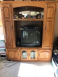 Entertainment center and 2 book Shevels sold together or bookcases ty Columbus, 08022
