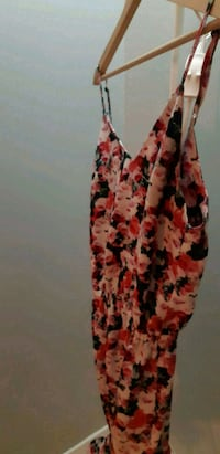 women's red and white floral spaghetti strap dress Laval, H7R 4T7