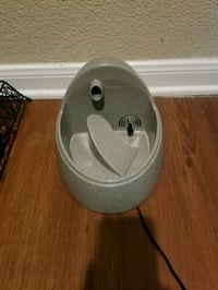 Whisker City small pet water fountain  Houston, 77054