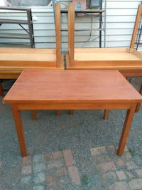 Wood sturdy table Porterville, 93257