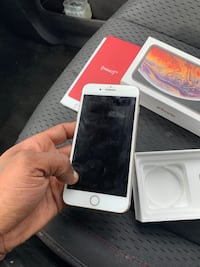 silver iPhone 6 with box Windsor Mill, 21244