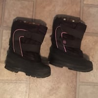 pair of black-and-gray boots Welland, L3B 2M4