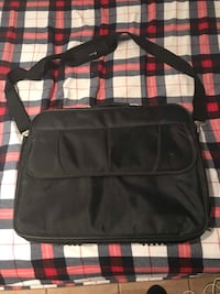 SELLING LAPTOP BAG! Toronto, M6E 1T1