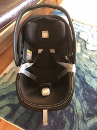 Peg Perego 4-35 car seat and base