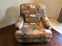 Custom Accent / Lounge Upholstered Chair Newmarket, L3X 1V9