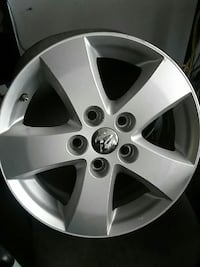 "1 rim for dodge caravan 2009 size is 17"" Burnaby, V5J 3J1"