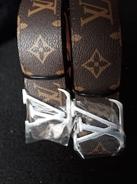 due fibbie Louis Vuitton color argento con monogramma Milano, 20128