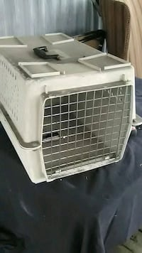 white and gray pet carrier Florence, 41042
