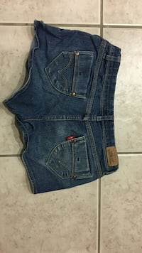 Girls Levi shorts Palmdale, 93551