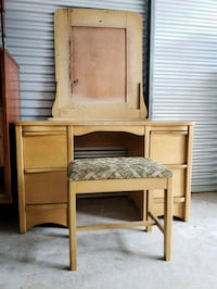 Vintage solid maple vanity w/bench Gainesville