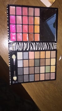 black and white makeup palette Troy, 12182