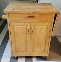 used cutting board top kitchen island on casters for sale in houston letgo. Black Bedroom Furniture Sets. Home Design Ideas