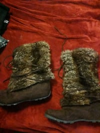 Boots with the fur size 7.5 Laurel, 59044