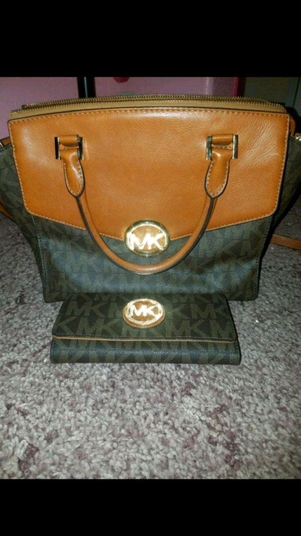 06a8a959cf5d Used Michael Kors handbag and wallet for sale in Manteca - letgo