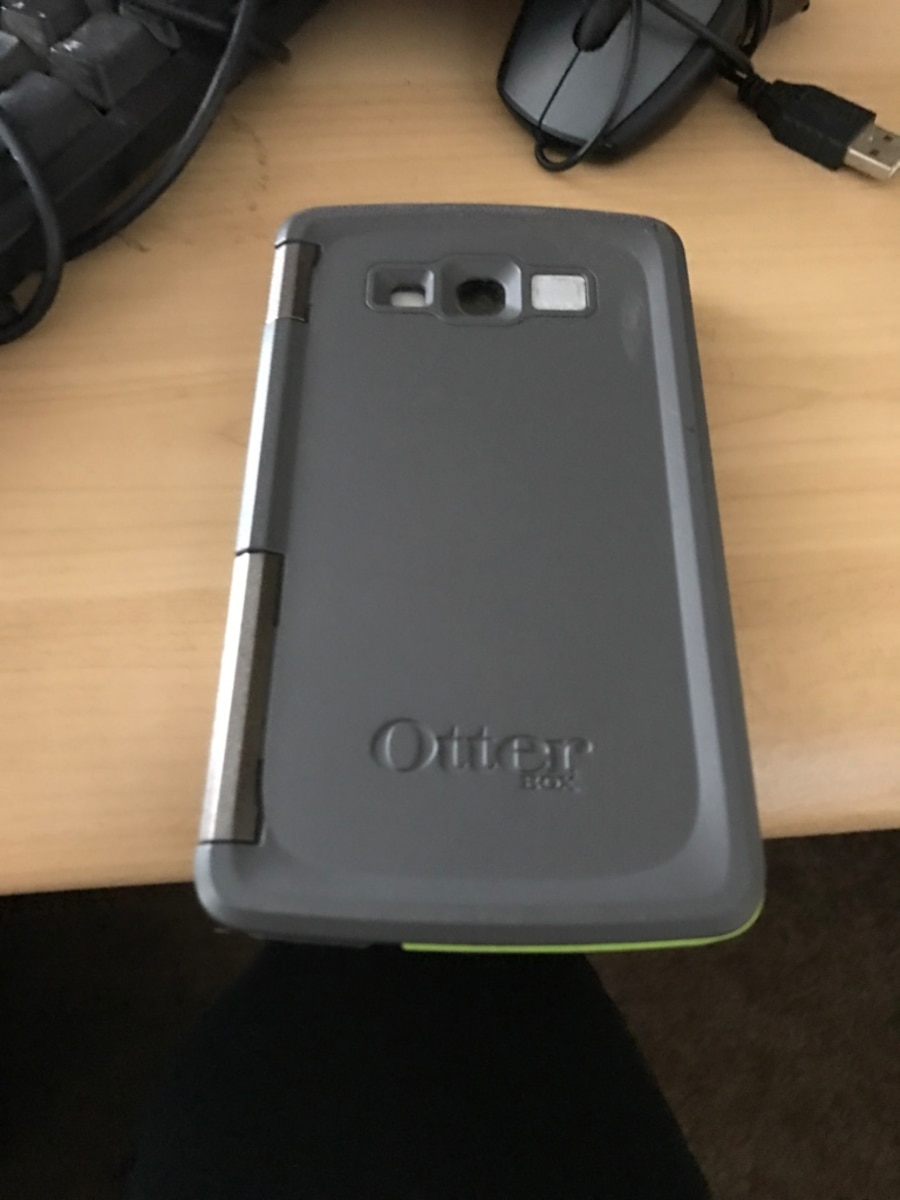 Samsung s4 and otterbox - San Leandro
