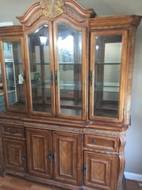 CHINA HUTCH in Manteca Display Cabinet