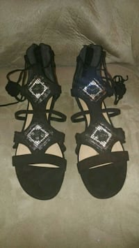 Black suede and Silver studded sandles De Pere, 54115