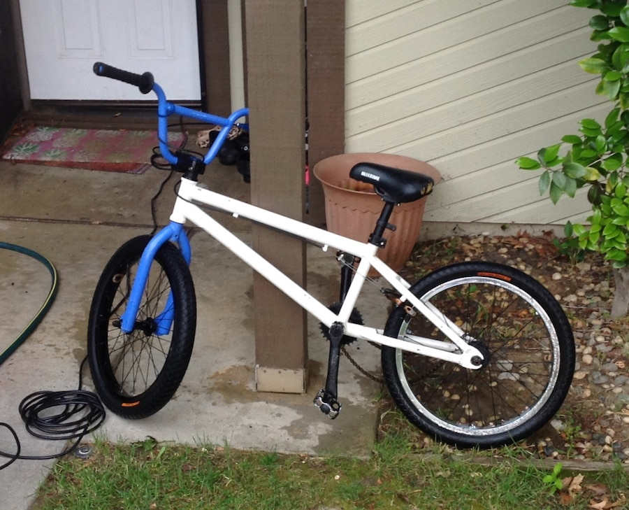 Photo Dirt jumper for sale just needs a new chain and will be good