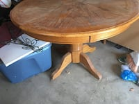 Round brown wooden table Westminster, 80031