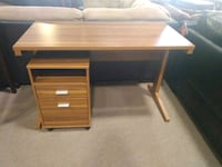 Desk with rolling file cabinet San Diego, 92115