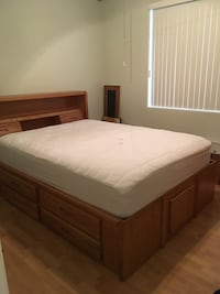 Solid Oak Queen Bedroom Set Never Used, Basically New