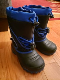 Size 1 youth (-30 C) insulated winter boots Brampton, L6X 4G2
