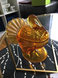 Amber colored turkey dish Woodbridge, 22191