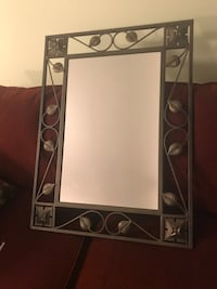 Gorgeous iron design mirror Toronto, M6N 4V7
