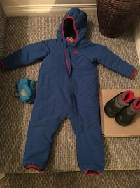 Blue andNorth Face snow suit with boots and gloves Saskatoon, S7H