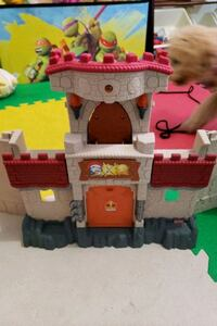 Knight castle playset Vaughan, L6A 1B3