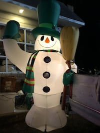 Airblown 8 Foot Lighted Snowman Norwood, 19074