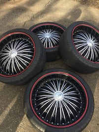 chrome multi-spoke car wheel with tire set West Hartford, 06107