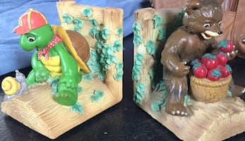 Franklin and Little Bear book ends