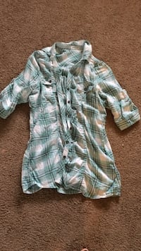 green and white plaid button up cap sleeve shirt Broken Bow, 68822