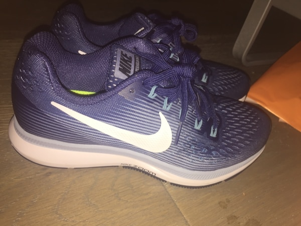 e9f25420425f Used Blue nike air zoom shoes size 6.5 for sale in San Marcos - letgo