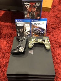 Ps4 PRO, 2 DUALSHOCK, 3 PS4 GAMES