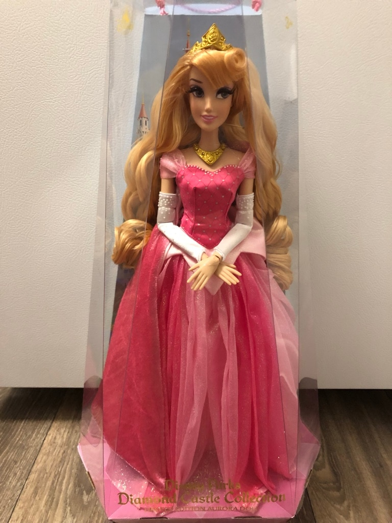 Photo Disney Aurora collector doll new sleeping beauty
