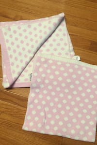 Lot of 2 cotton baby blankets reversible  Herndon, 20171