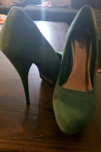 "Size 9,  4"" heels Falls Church, 22043"