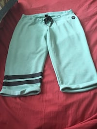 Light green Hurley crops size large Airdrie, T4B 0P3