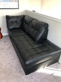 Sectional black pho-leather couch Pflugerville, 78664