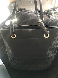 black Michael Kors leather tote bag Oakville, L6H 7S9