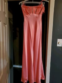 Pagent /prom dress accepting offers Benton, 72019