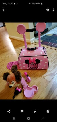 Minnie Mouse carrier and Fifi Alexandria, 22310